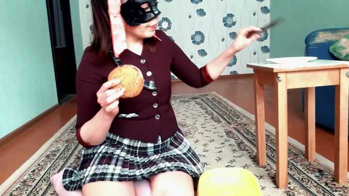 Scatlina Scat Real Swallow- the Scat Burger by Top Babe Lina - Scatshop    2019